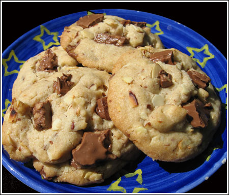 Almond Toffee Chunk Cookies - Cookie Madness