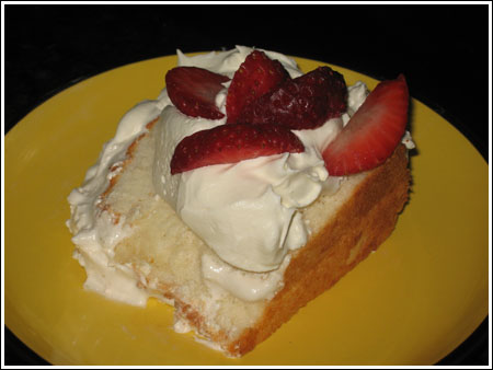 angel food cake with strawberries.jpg