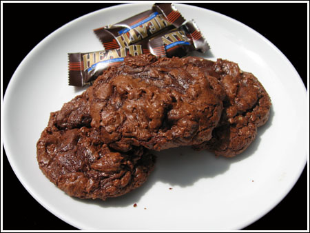 giant chocolate toffee cookies.jpg
