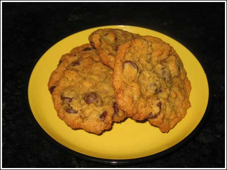 oatmeal chocolate chip cookies on plate.jpg