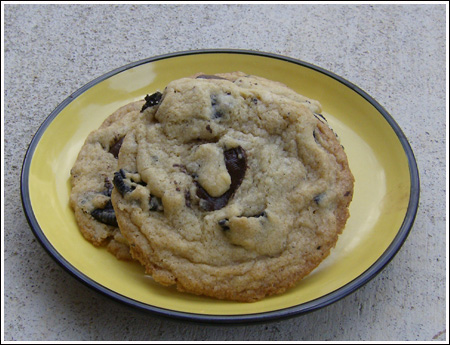 oreo chocolate chunk cookie for blog.jpg
