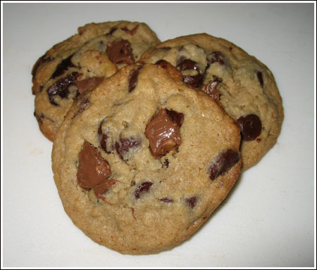 Ground Oats Chocolate Chip Cookies