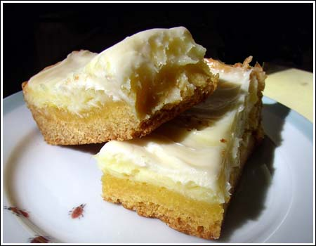 http://www.cookiemadness.net/wp-content/uploads/2007/10/rachel-lemon-bars.jpg