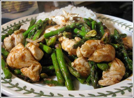 Wok-Seared Chicken with Asparagus & Pistachios - Cookie Madness