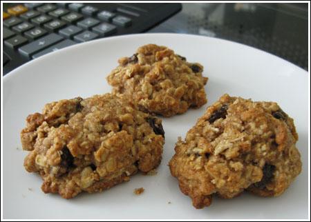 agave honey oatmeal raisin cookies