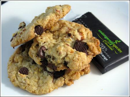 Crispy Crunchy Almond Chocolate Chunk Cookies