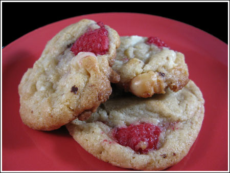 white chocolate macadamia raspberry cookies