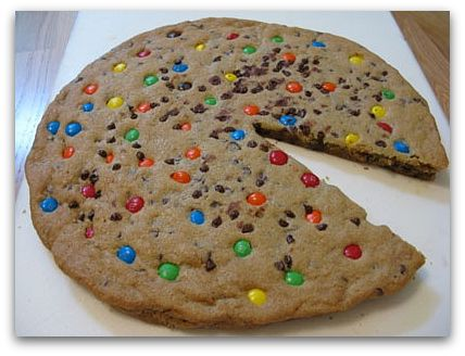 giant chocolate chip cookie cake 2