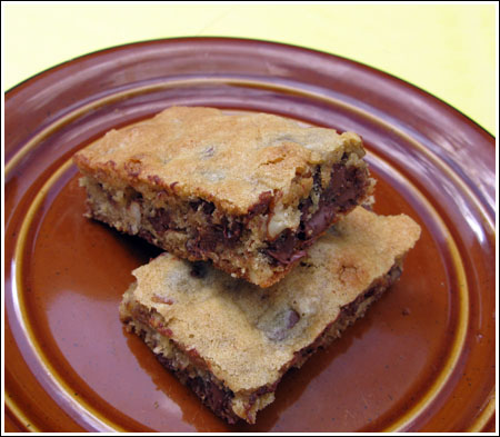 A Big Batch Chocolate Chip Bar Recipe