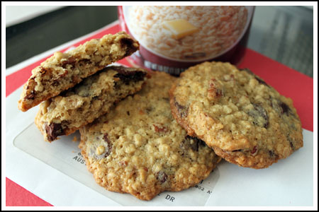 Lisa's Friend's Oatmeal Chocolate Chip Cookies