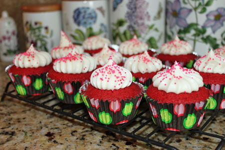 throwdown red velvet cupcakes