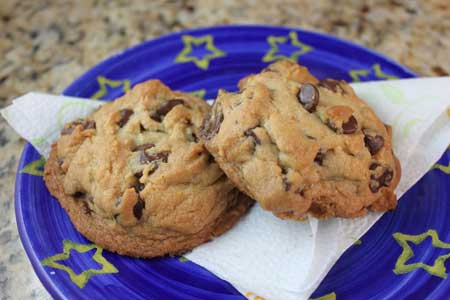 chocolate chip cookies with brown sugar