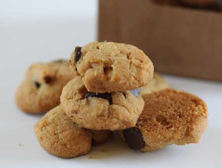 mini peanut buttter chocolate chip cookies