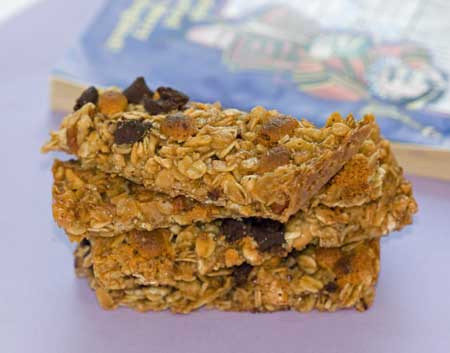 Chocolate and Butterscotch Chip Granola Bars