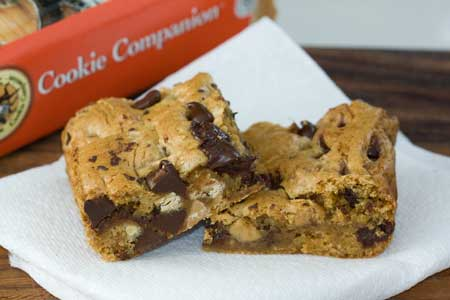 Chocolate & Peanut Butter Chip Bars