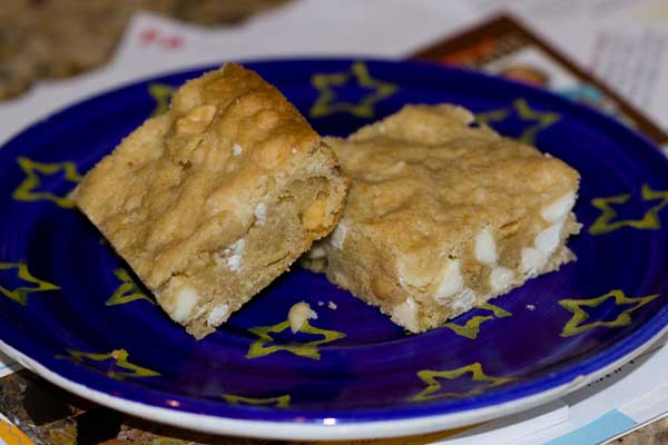 White Chocolate Peanut Almond Blondies