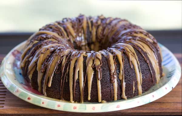 caramel drizzle cake