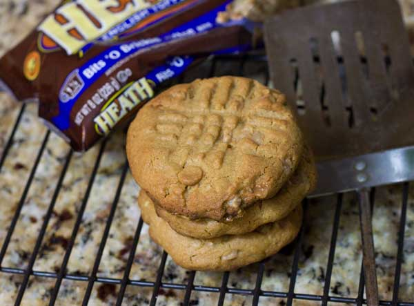 Jumbo Peanut Butter Criss-Cross Cookies with Brickle