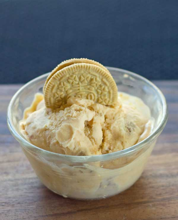 Pumpkin Pie Ice Cream with Gingerbread Oreos