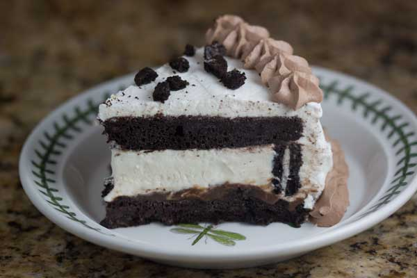 Oreo Ice Cream Cake - Cookie Madness