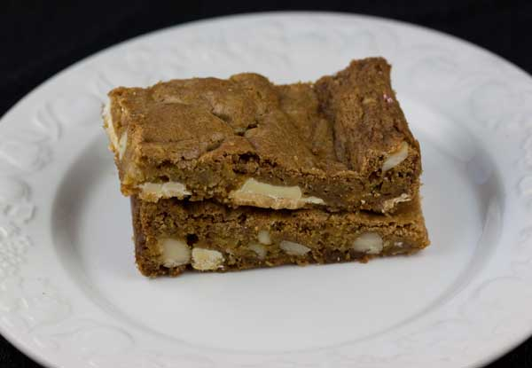 Chewy White Chocolate Macadamia Nut Bars