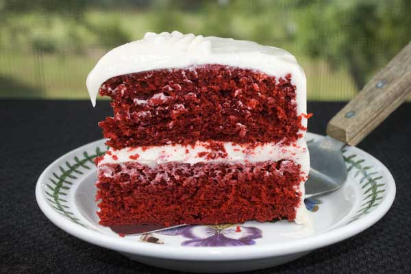 Super Red Velvet Cake With Cream Cheese Icing