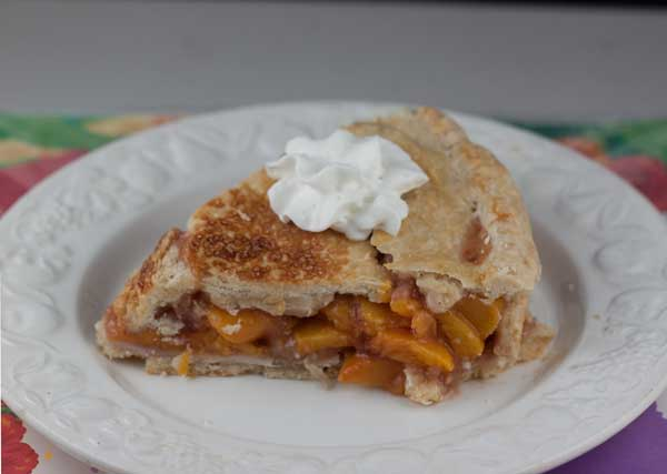 peach-pie-slice