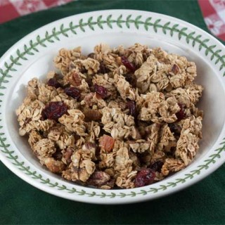 Clumpy Crunchy Granola Without Oil