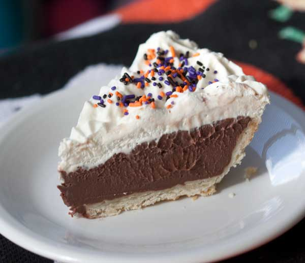diner style chocolate cream pie
