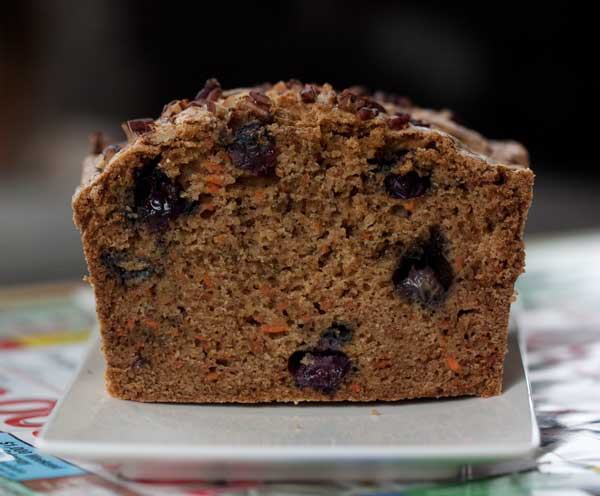 carrotblueberrybread2