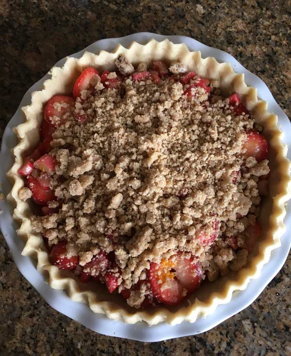 Strawberry Rhubarb Pie With Streusel - Cookie Madness