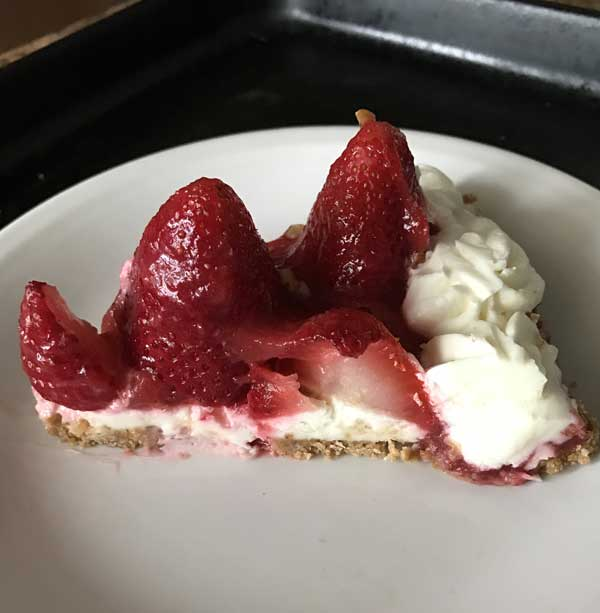 almond strawberry tart
