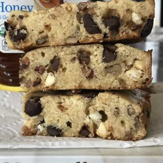 Naturally Sweet Honey Blondies