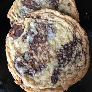 Giant Crinkled Chocolate Chip