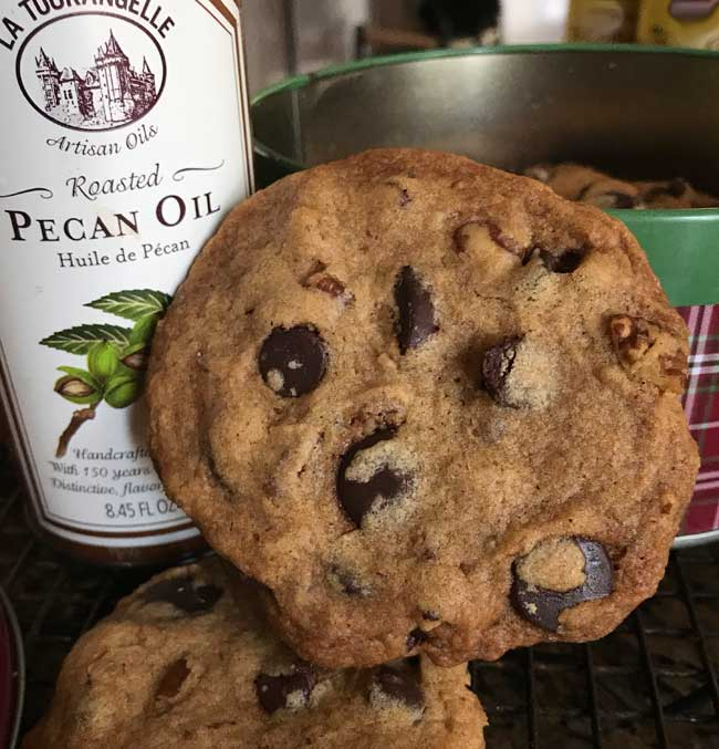 crunchy roasted pecan chocolate chip cookies