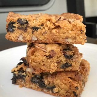 Chewy Marshmallow Blondies