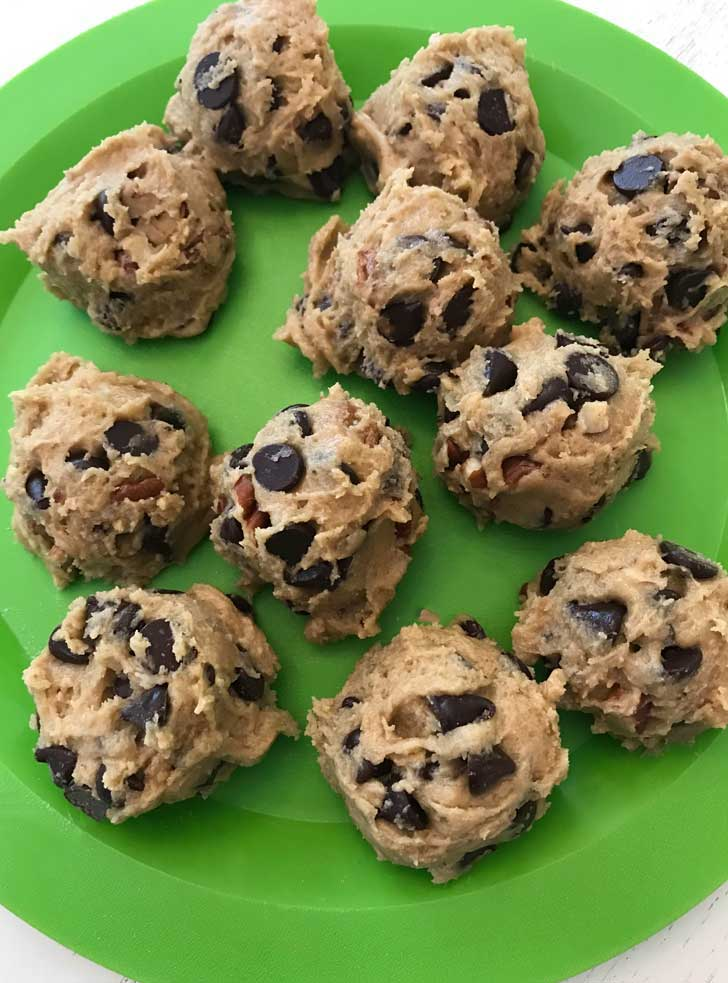 D'vash Date Syrup Chocolate Chip Cookie Dough Balls