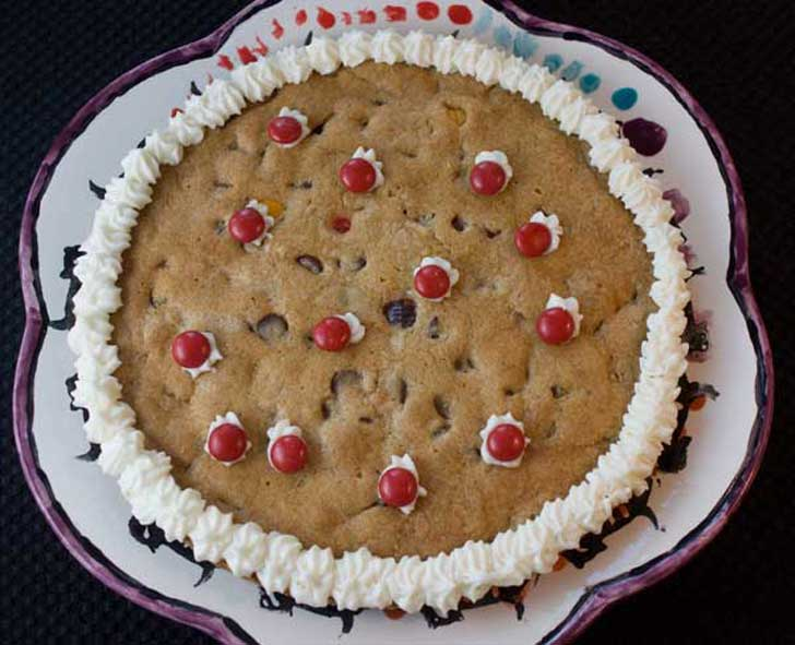 Giant Chocolate Chip Cookies or cookie pizza for decorating